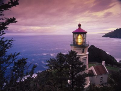 stuart westmoreland heceta head lighthouse oregon coast Top 10 Most Beautiful Lighthouse Hotels in the World