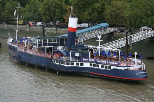 floating restaurants tattershall  10 Amazing Floating Restaurants in the World