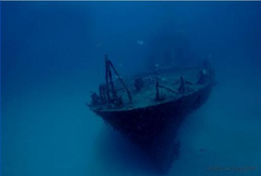 p29 10 Amazing Sunken Ships of the World