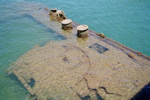 uss arizona 10 Amazing Sunken Ships of the World