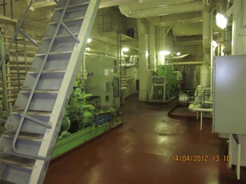 IMG 2665 Important Notes on Maintenance of Small Tanks in Ship Engine Room