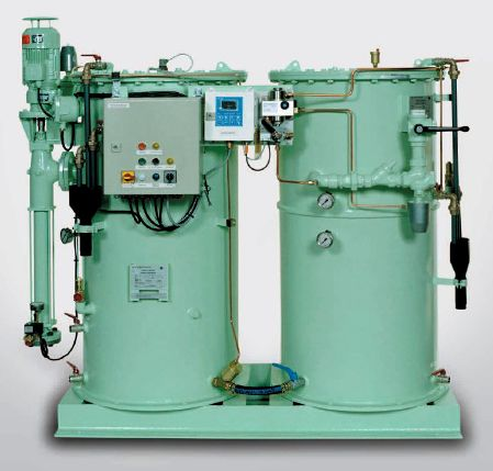 Oil water vertical separator for ships for bilge water