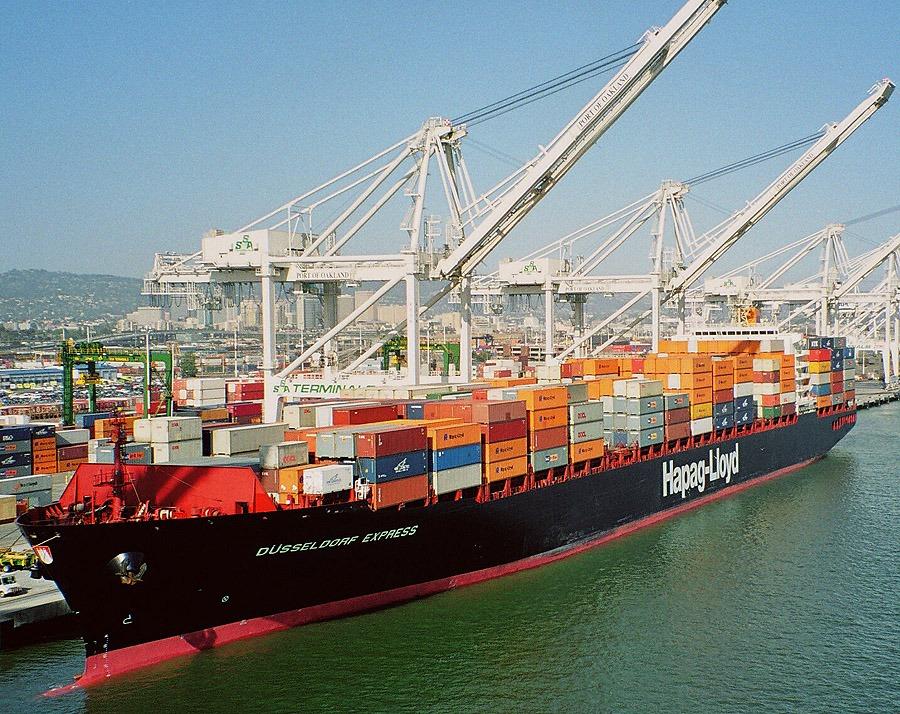 Hapag-Lloyd-Ship