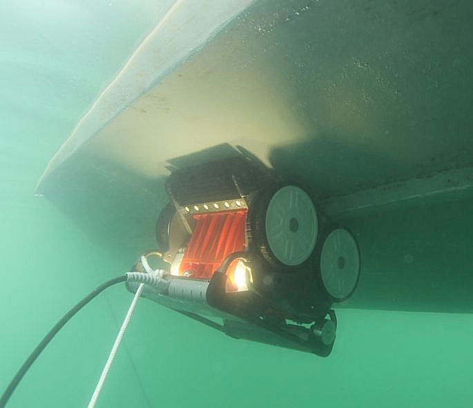 how to clean a boat hull underwater