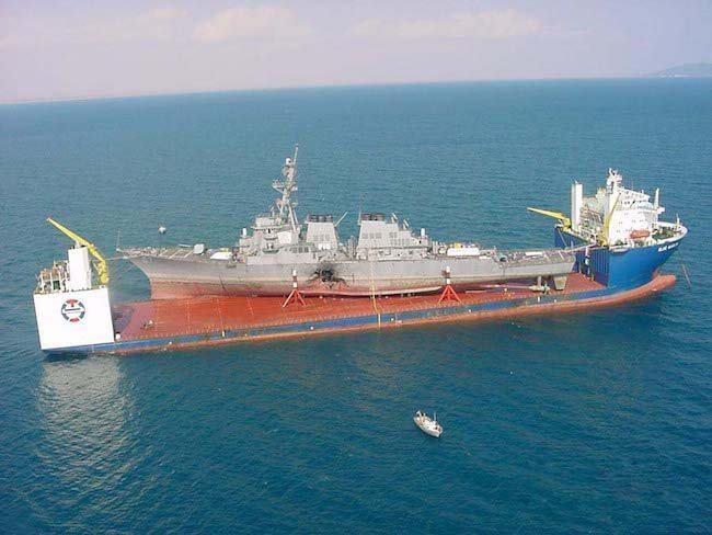 MV_Blue_Marlin_carrying_USS_Cole-2