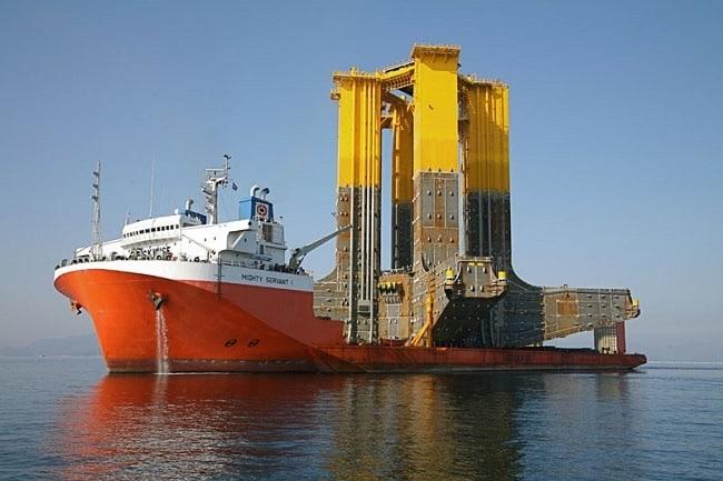 Semi-Submersible Ship
