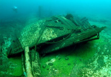 a look at the mystery and controversies surrounding the 1975 shipwreck in the great lakes Crews on freighters heading east around whitefish point look executive director of the great lakes shipwreck watch the 14-minute dvd shipwreck: the mystery.
