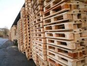 What are Pallets and Palletizing in Shipping?