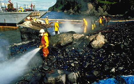 The Gruesome Amoco Cadiz Oil Spill Incident