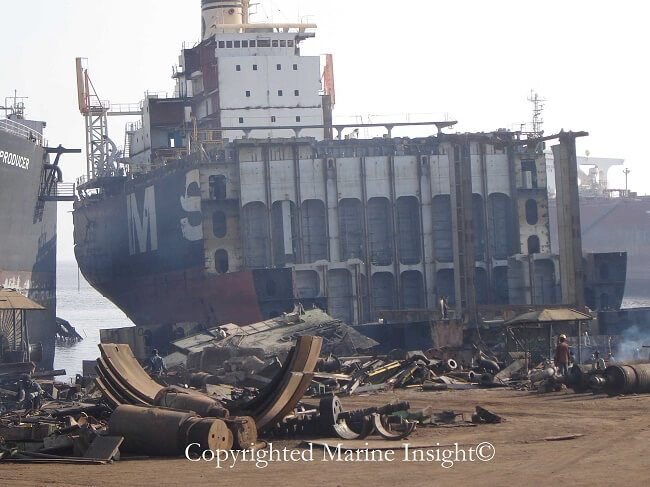 ship breaking yard Alang