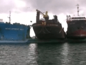 Video: Semi-Submersible Vessel Dangerously Carrying Barges and Tugs to China