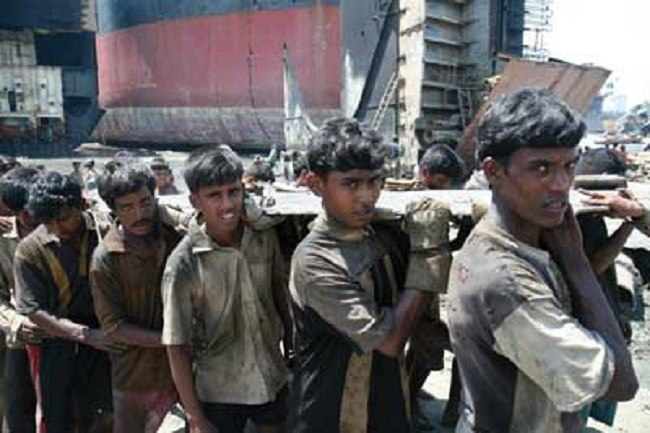 ship breaking workers
