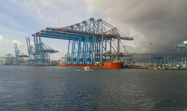 Super Crane Installation