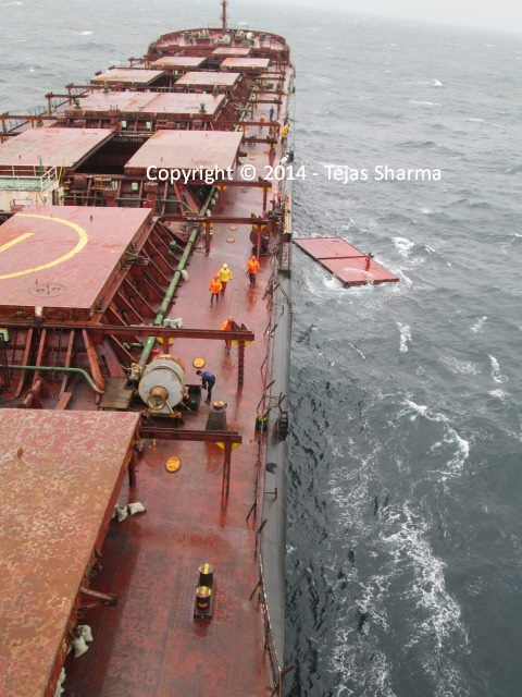 Exclusive Photos  Recovery Operation Of Ship U0026 39 S Hatch Cover