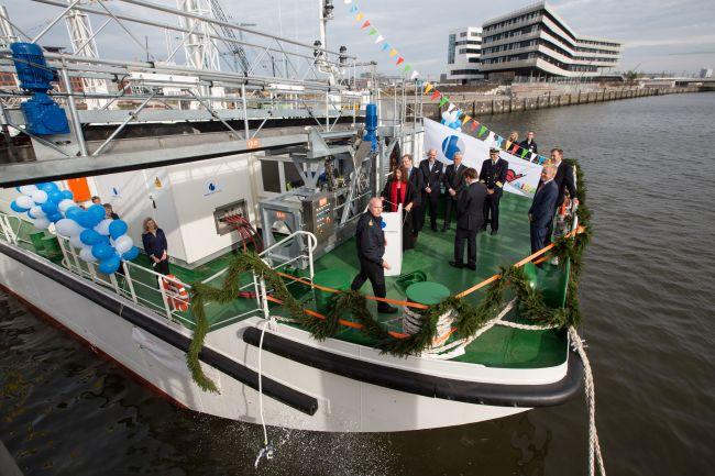 LNG Hybrid Barge