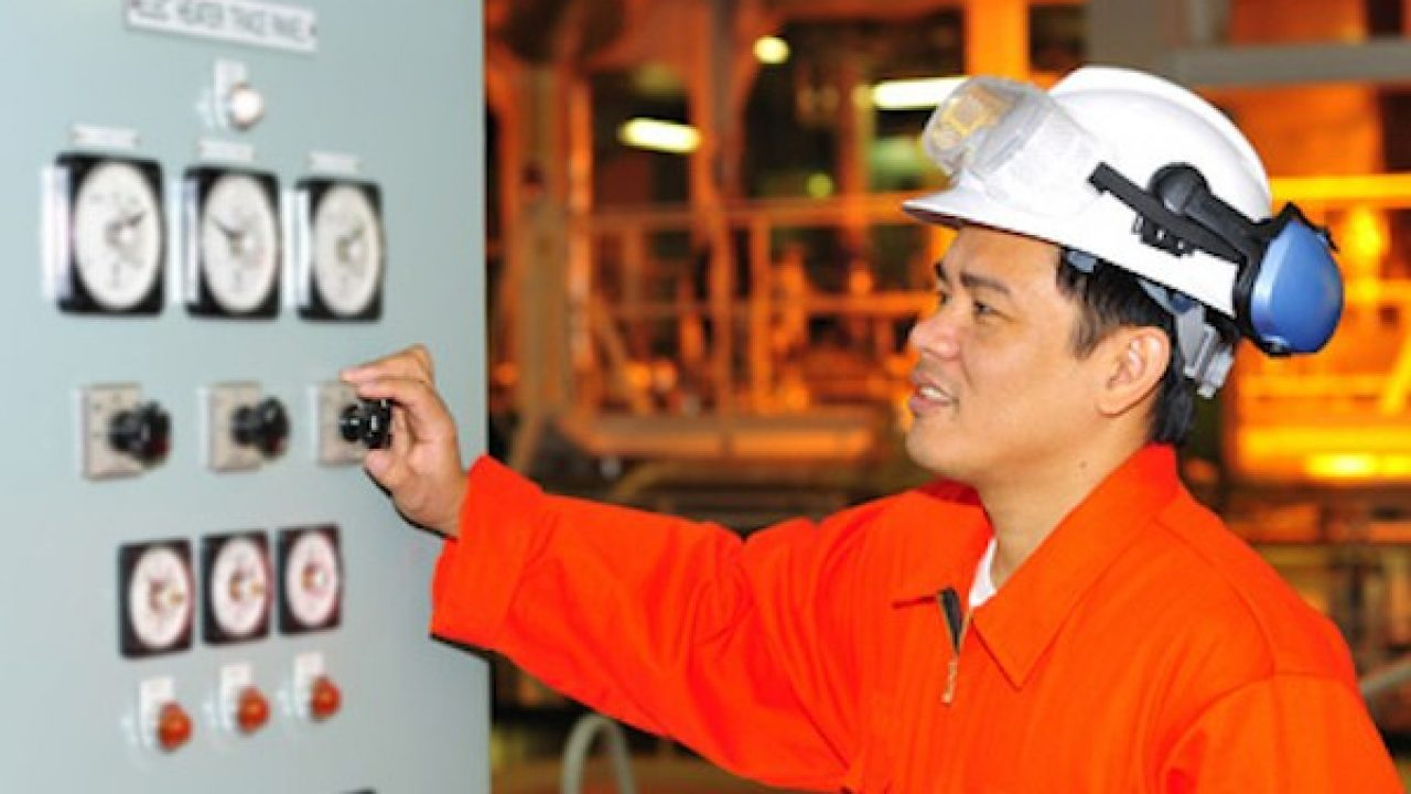 Career of Electro Technical Officer on Ship