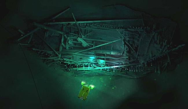 photogrammetric-model-of-the-ottoman-wreck-overlaid-with-image-of-supporter-rov