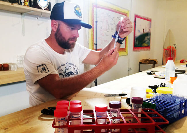 Seabin-marine-scientist-at-work