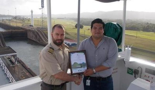 Garnet Leader Receiving Panama Canal Green Award