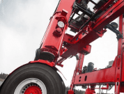 DP World Orders Kalmar Hybrid Straddle Carriers To Reduce CO2 Emission
