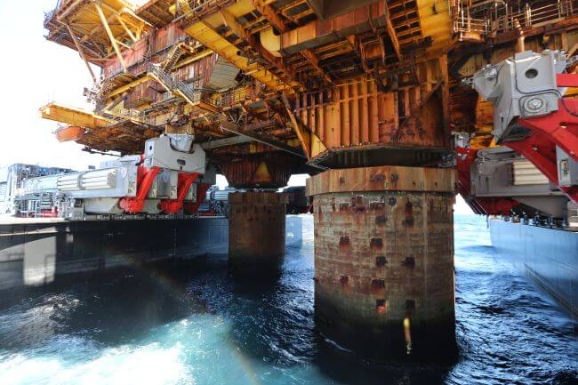 07 Fast lift of the Delta topsides