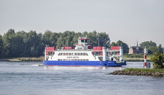 Damen_has_delivered_a_road_ferry