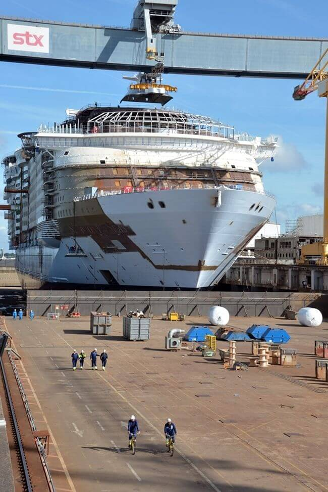 Photos Royal Caribbeans Symphony Of The Seas To Be The Worlds - How do cruise ships float