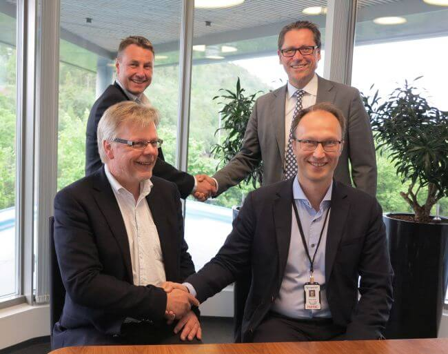 At_the_signing_DNVGL_Rolls-royce_SINTEF_NTNU