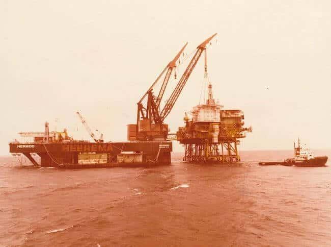 csm_Photo Press Release Hermod Retirement - 1979 - 1st project Installation Piper A Platform_ef232b530c