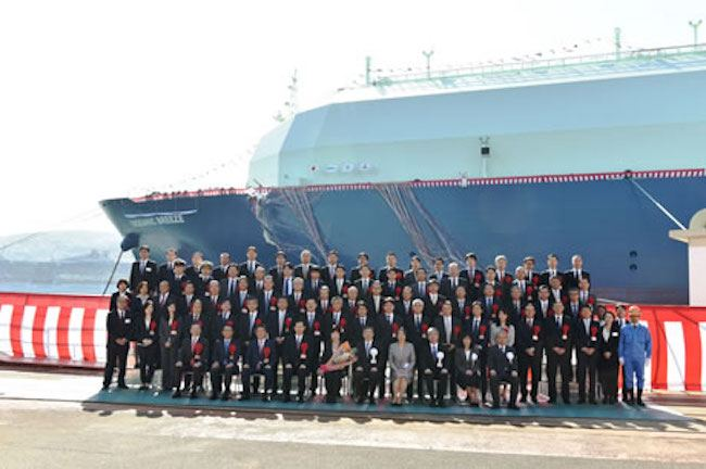 New-LNG-Carrier-for-Ichthys-LNG-Project-named-OCEANIC-BREEZE