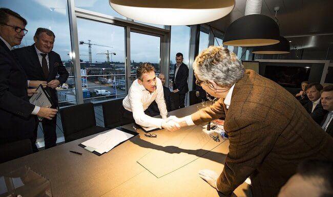 Damen_Concardia_Contract_signing
