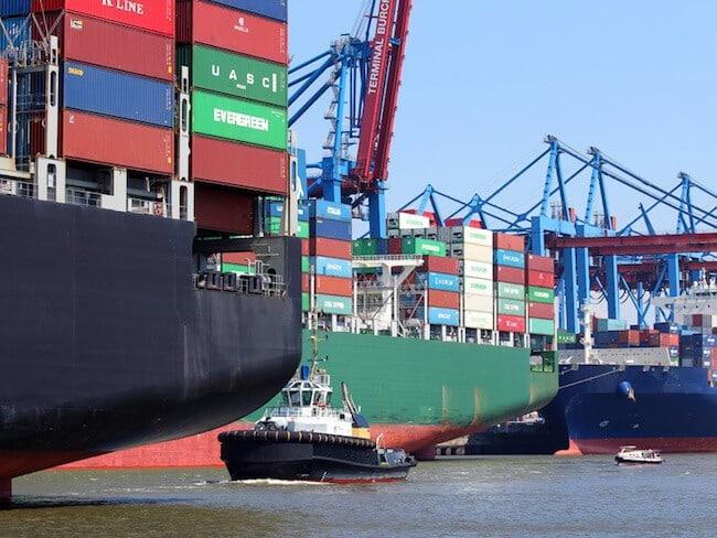 Data models for maritime E-business
