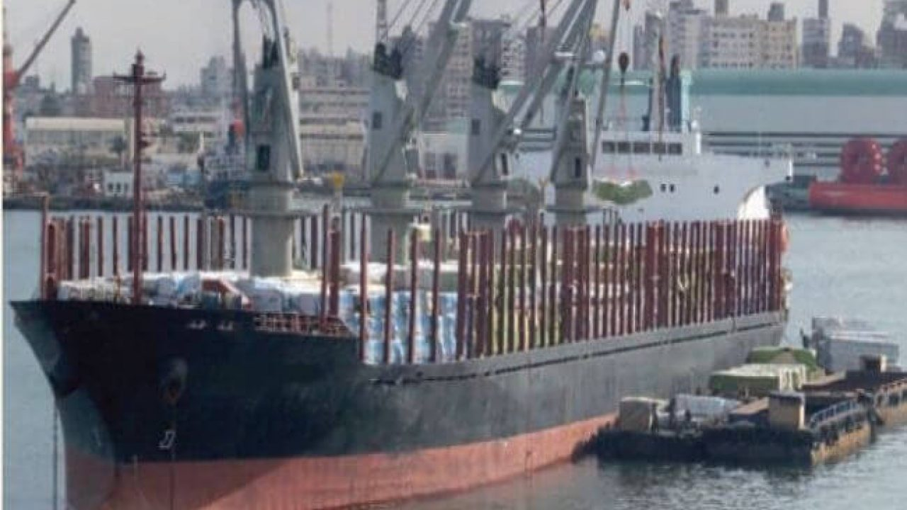 Real Life Incident: Timber Deck Cargo Collapse Causes One