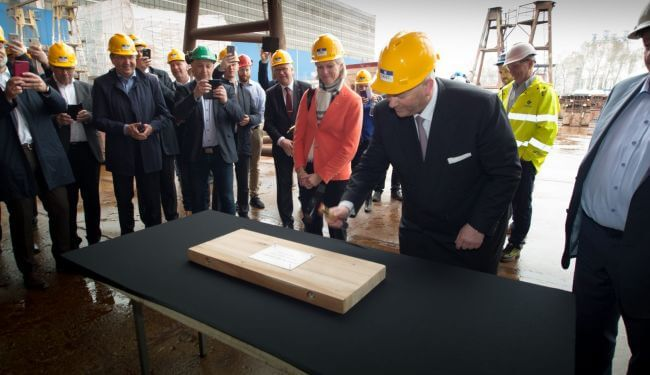 Keel-laying-long-tradition-Color-Hybrid