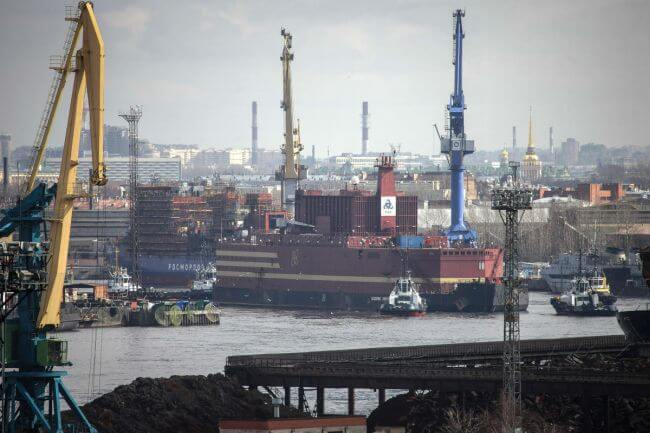 first floating nuclear power plant_greenpeace_2