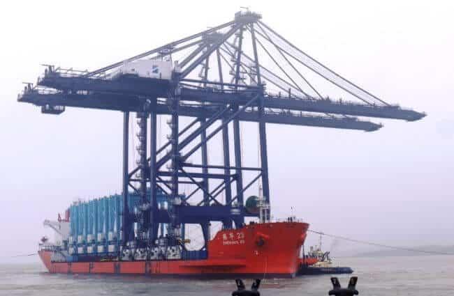 port of felixstowe gantry cranes