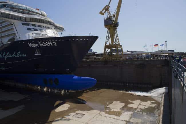 Mein schiff 2 _meyer turku float out