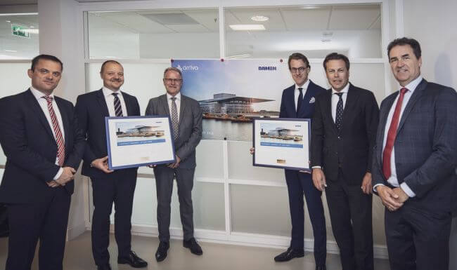 Contract Signing E-Ferry 2306_lowres