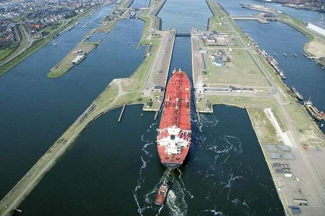luchtfoto_noordersluis_amsterdam_IJmuden
