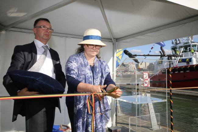 Naming ceremony tug Southampton performed by Mrs Ariane Labarque_lowres