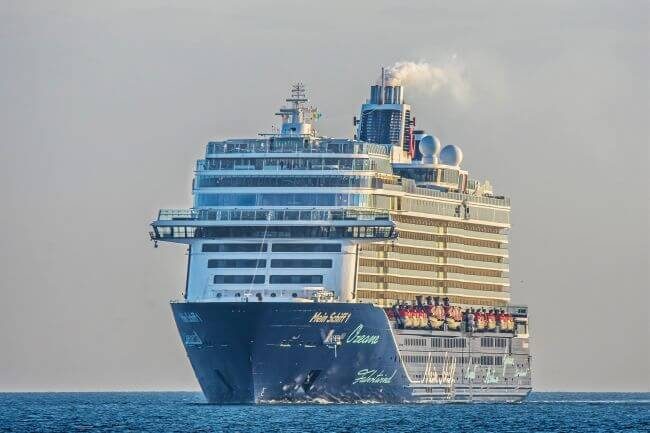Mein Schiff _crusie in Kiel Foto Stephen Gergs