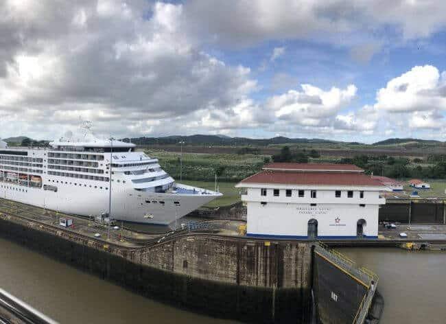 panama canal cruise transit