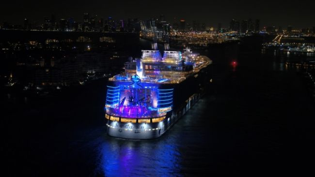 Miami_Symphony-of-the-Seas-4