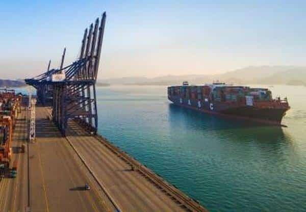 Hapag Lloyd LNG Container ship conversion