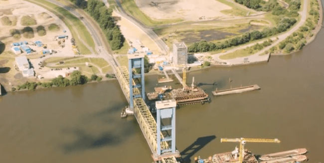The world's largest lift bridge will be soon be installed in the Port of Hamburg