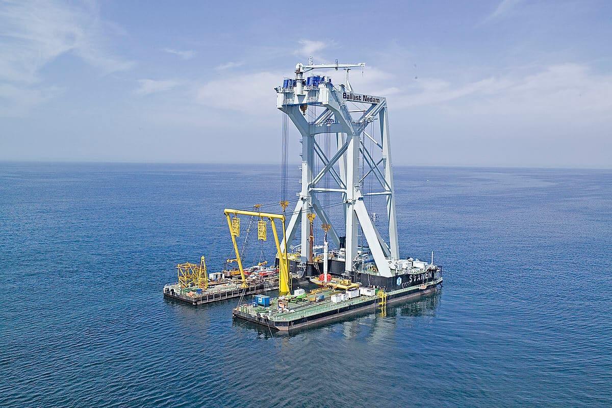 Svanen crane vessel