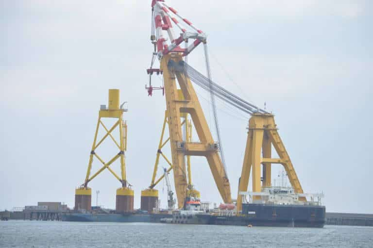 asian hercules crane vessel