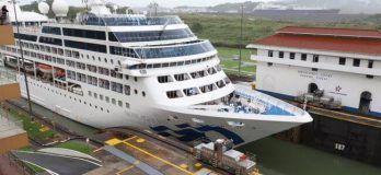 transit of the Panamax cruise ship Pacific Princess