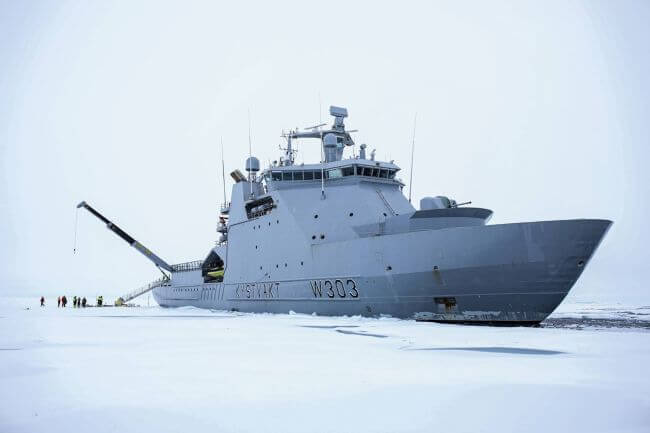 Vessel powered by ABB Azipod® propulsion reaches North Pole for the first time in history