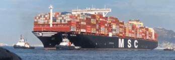 MSC Mina Panama manoeuvres